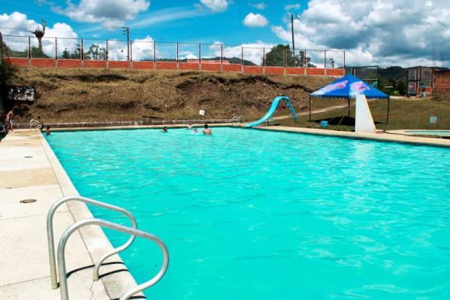 Al servicio piscina en oiba comunera - Piscina municipal santander ...