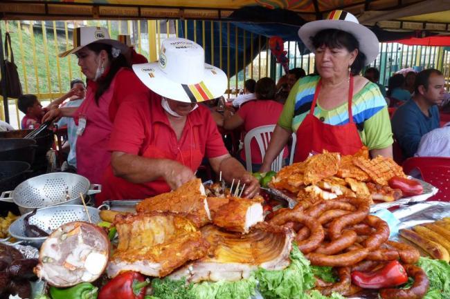Colonia floride a participar en feria de bucaramanga for Comida vanguardia
