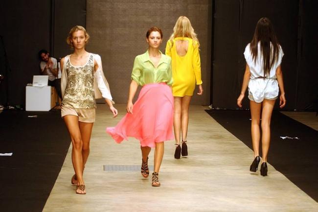 diseadores presentarn sus colecciones en el ucorazn de la modau