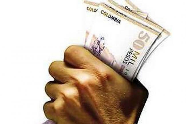 Retirar dinero del cajero de su entidad le puede costar for Cuanto dinero se puede sacar del cajero