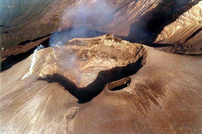 Ecuador y Colombia alertan riesgo de erupciones volcánicas en la frontera