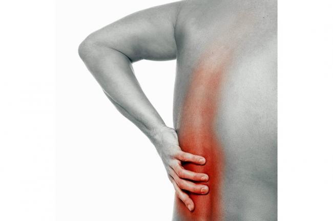 El dolor en la espátula da a la derecha en el cuello y la cabeza