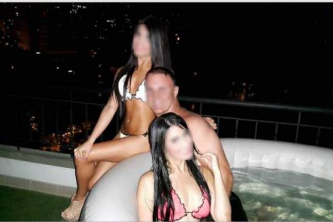 En bucaramanga teniendo sexo con la puerta abierta - 5 7