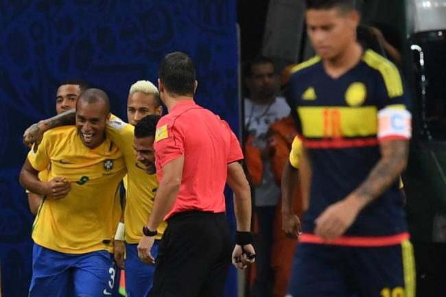 Brasil le ganó a Colombia 2-1