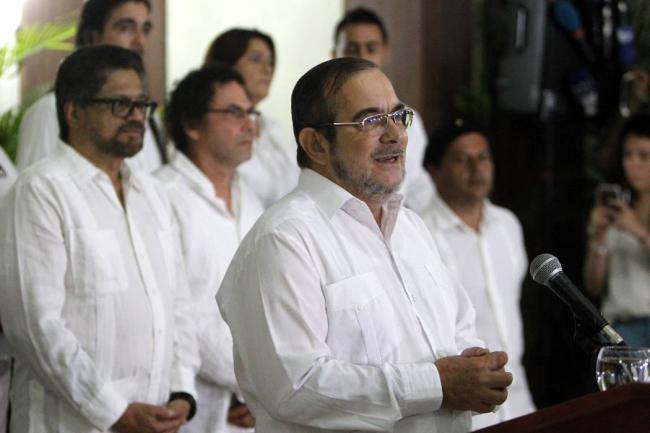 Entrega FARC niños soldados a la Cruz Rojas