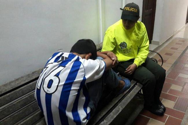 Capturado joven de 15 años que violó a niño de 8 en un ...: http://www.vanguardia.com/judicial/389139-capturado-joven-de-15-anos-que-violo-a-nino-de-8-en-un-parque-de-floridablanca