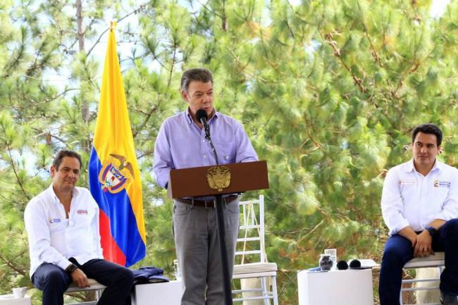 Vicepresidente colombiano renuncia para optar a la presidencia