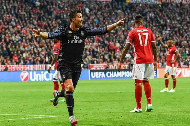 Pese al gol de Arturo Vidal, Real Madrid derrotó al Bayern