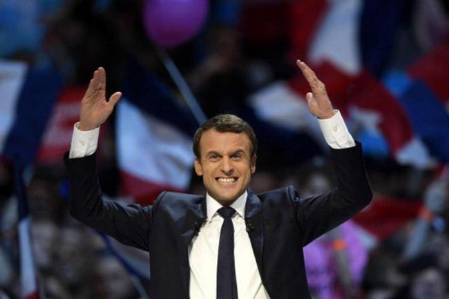 Trump felicita a Macron por su
