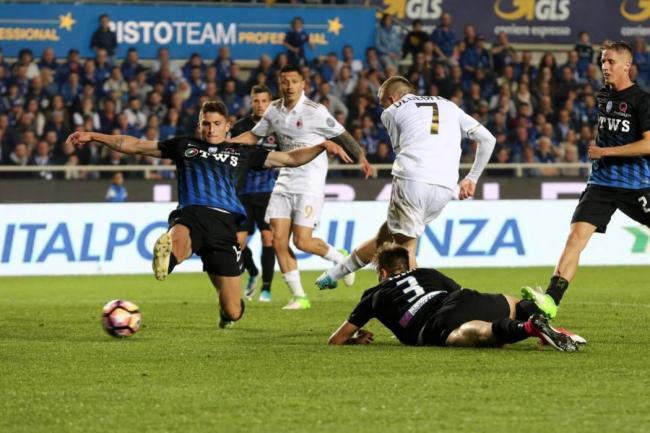 Milan rescató un empate sobre el final ante Atalanta y sigue 6º