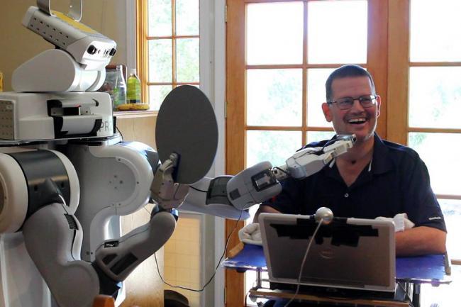 Las personas en condición de discapacidad han podido avanzar mucho con los desarrollos tecnológicos y cada vez estos llegan a pacientes con mayores dificultades.