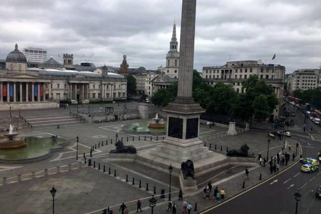 Evacuan la céntrica Trafalgar Square al hallar un