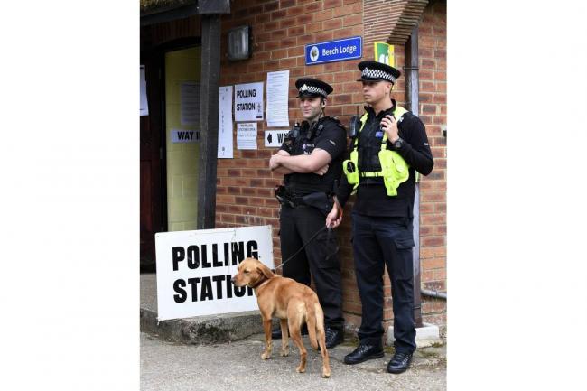 Conservadores pierden mayoría absoluta en el Parlamento británico