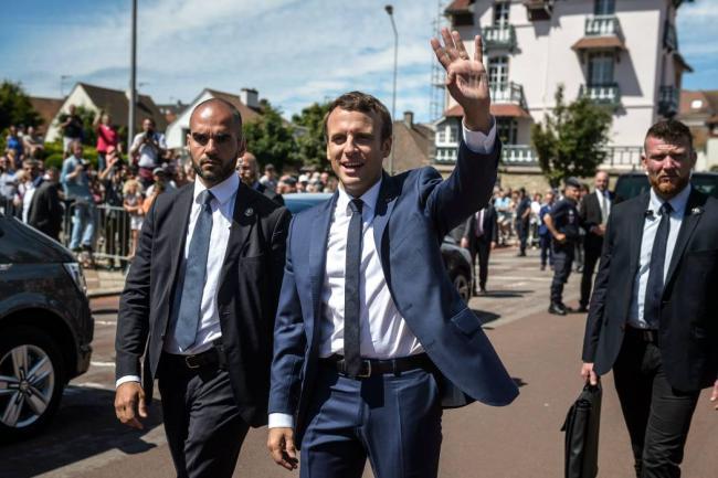 Poca gente y mucho despliegue de seguridad en las legislativas francesas?