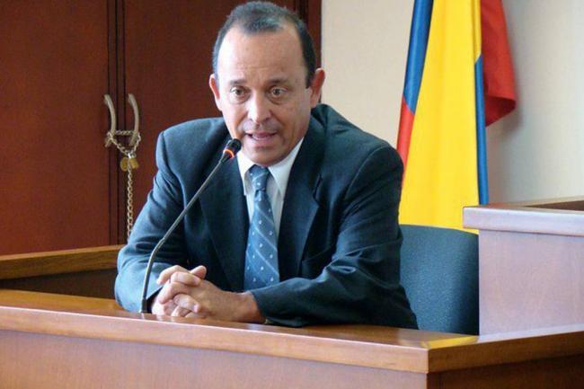 Fiscalía llama a juicio a Santiago Uribe por nexos con paras — COLOMBIA