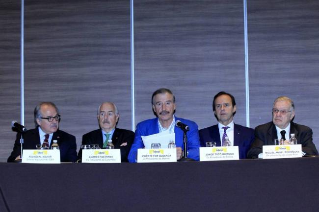 Vicente Fox pidió a comunidad internacional