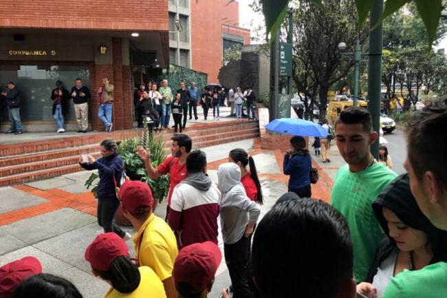 Deja atentado en Colombia 3 muertas y 11 heridos; Peña lo condena