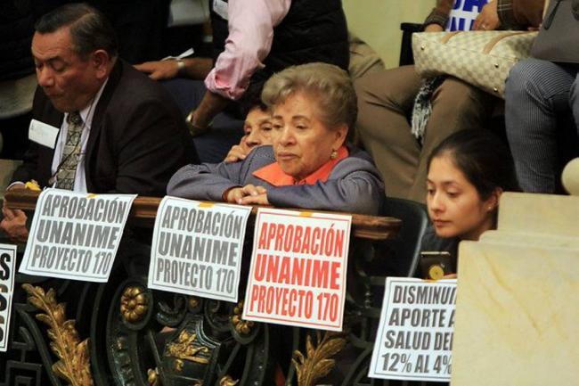 Minhacienda objetará ley que reduce aportes de salud de pensionados