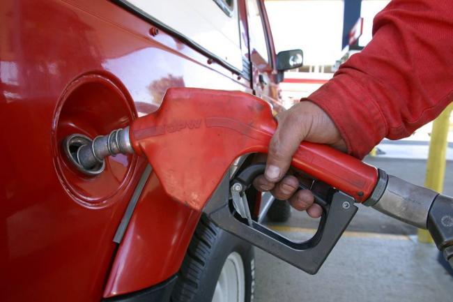El galón de gasolina ha subido 613 pesos este año — COLOMBIA