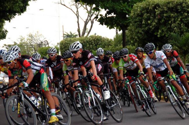 Juan Pablo Suárez gana la cuarta etapa — Vuelta a Colombia