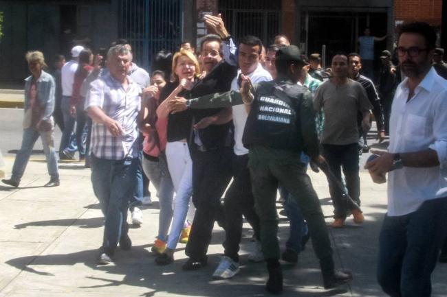 Opositores comienzan a concentrarse en Caracas en rechazo a la Constituyente