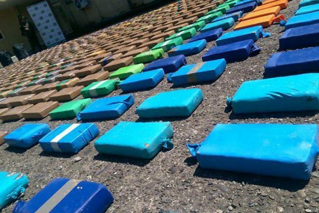 Autoridades incautaron droga y un sumergible en el Pacífico colombiano