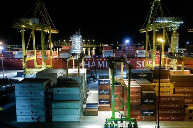 Déficit comercial se reduce en el primer semestre