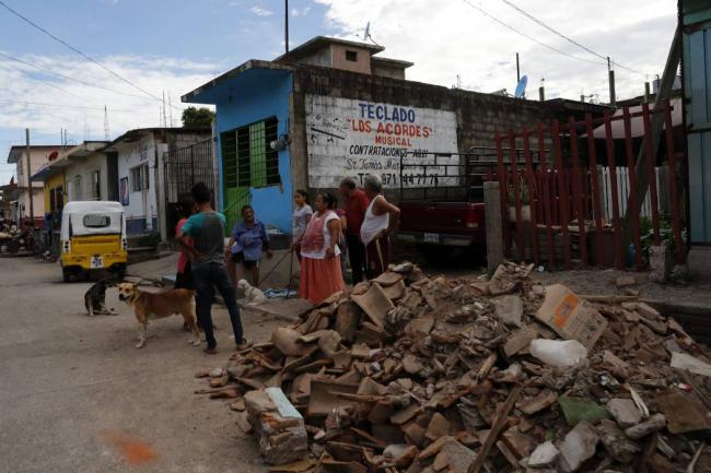 Aumenta a 90 cifra de muertos en 3 estados por sismo
