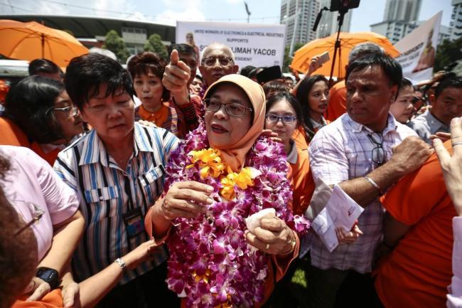 Halimah Yacob se convierte en la primera presidenta de Singapur