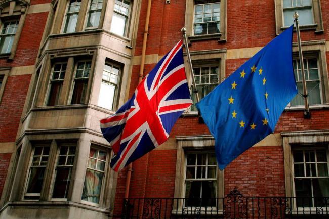 Theresa May reemplaza a alto funcionario británico del Brexit