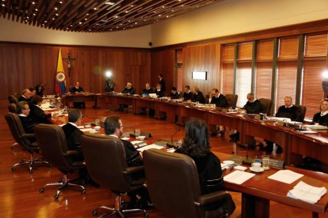 Gobierno de Colombia piensa reformar la justicia mediante referendum — VENEZUELA