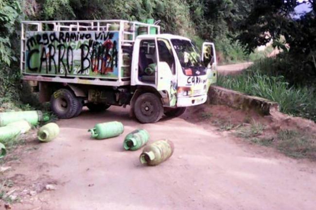 COLOMBIA: Epl quiere subir al bus de las negociaciones de paz