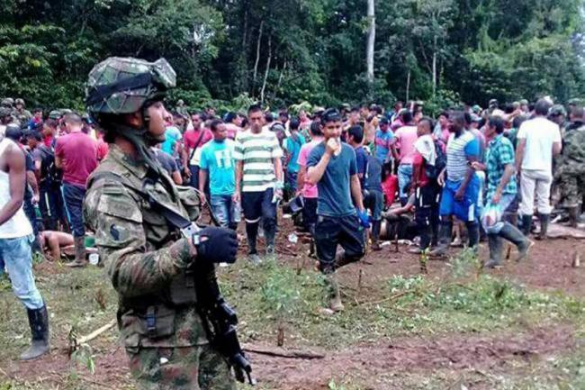 Cuatro policías que habrían disparado contra campesinos en Tumaco fueron suspendidos