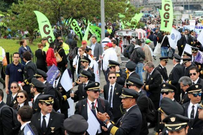 Avianca anuncia inicio de procesos disciplinarios contra pilotos que siguen en huelga