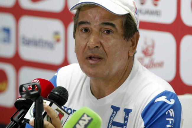 Pinto anuncia a sus 25 para la repesca