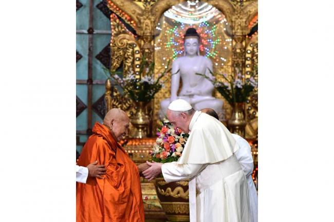 Papa Francisco no menciona a rohinyás durante su discurso en Birmania