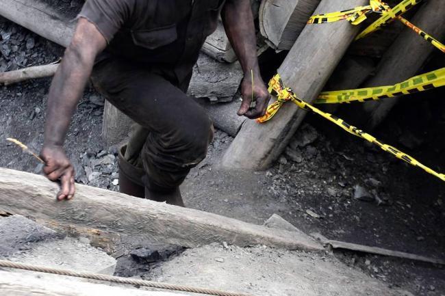 Un fallecido y 8 atrapados por explosión en mina
