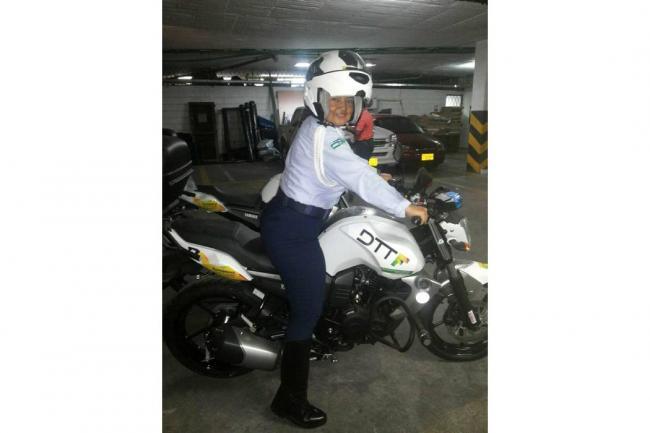 Capturada agente de tránsito por presuntas irregularidades en refrendación de fotomultas