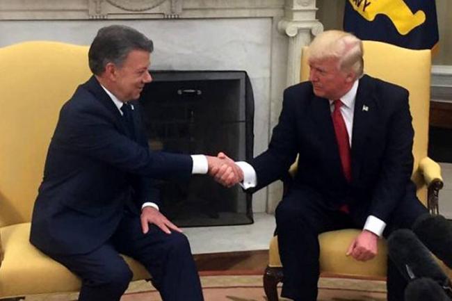 Según The Washington Post, Trump llamó la atención a Santos