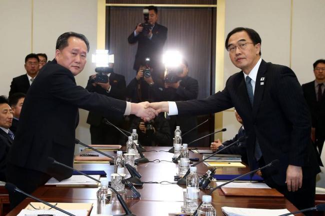 Las dos Coreas optan por aliviar la tensión, en una reunión histórica