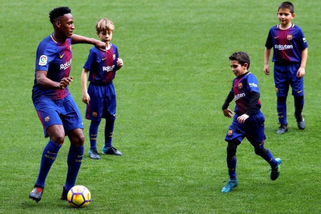 Está hecho: Yerry Mina firmó su contrato con el Barcelona