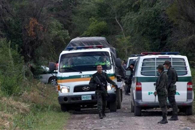 Seis policías heridos deja emboscada con explosivos en Mesetas, Meta