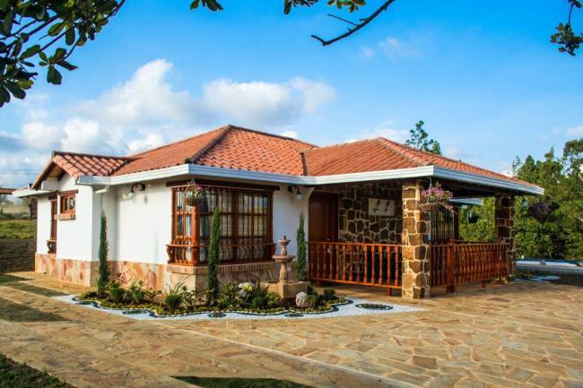 Incomesa casas campestres con tradici n e innovaci n en for Cubiertas para casas campestres
