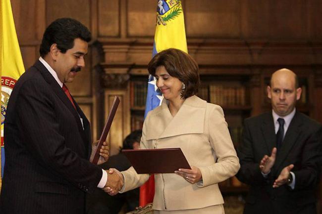 Santos trasladó a Costa Rica al embajador de Venezuela, Ricardo Lozano