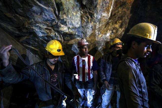 Gobernador de Antioquia: minería en Colombia debe ser formalizada para evitar accidentes