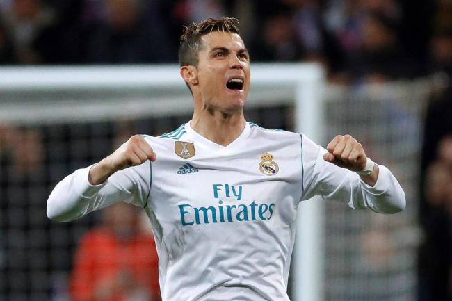 Real Madrid vs. PSG: Cristiano Ronaldo, con la rodilla, lo remontó