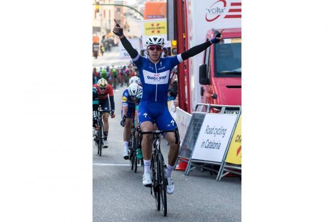 Álvaro Hodeg gana la primera etapa de la Vuelta a Cataluña