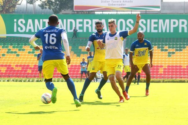 La eliminación de Bucaramanga provocó la salida de Diego Cagna
