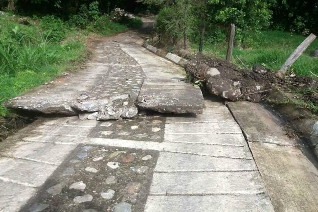 Desalojan familias en municipio de Santander por falla geológica