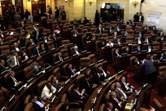 Senado aprueba castración química para violadores de niños — Colombia